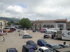 Lots of cars in the piazza means lots of folks are gathering in shops and the bars (cafés).