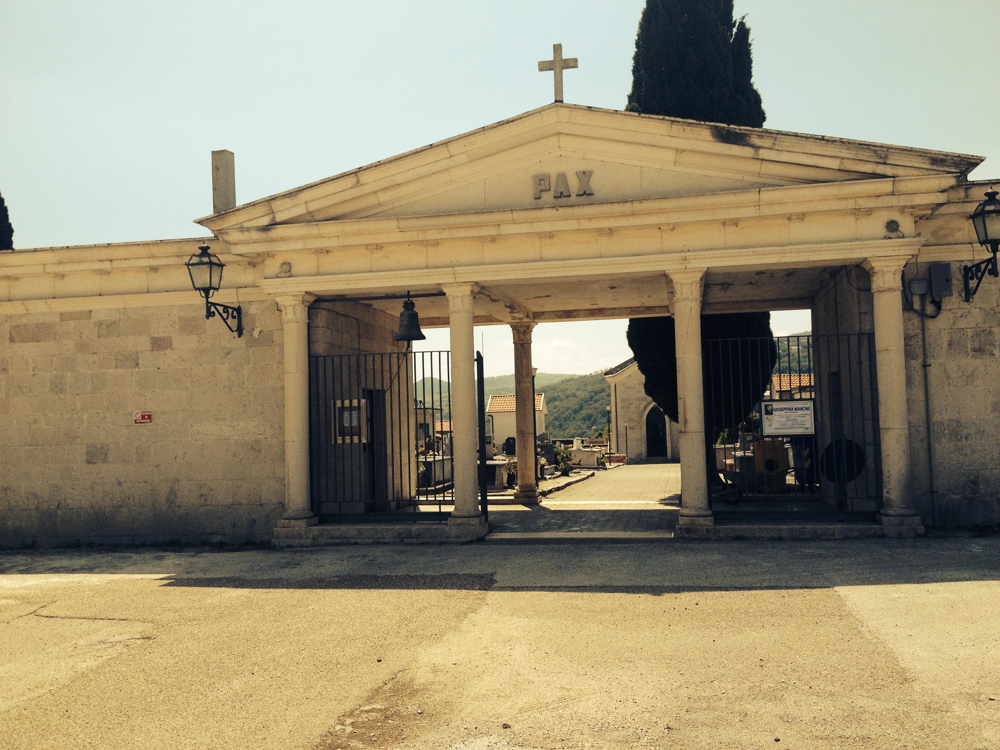 Burial rituals in italy nonnas mulberry tree img1512 izmirmasajfo