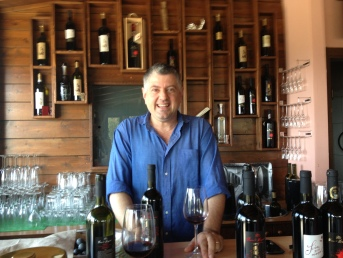 Tony De Cicco is passionate about eating and drinking local!